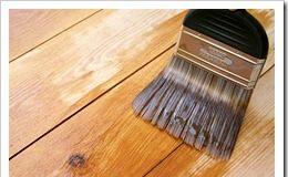 Чем красить деревянный пол