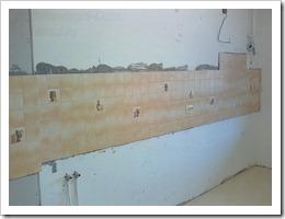 Как укладывать плитку на кухне