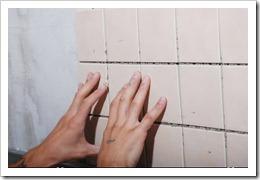 Чем приклеить керамическую плитку