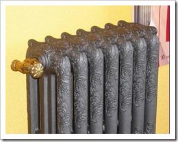 Как правильно произвести крепление чугунных радиаторов